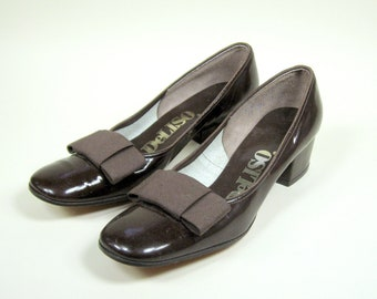 1960s Brown Patent Leather Pumps Bow Womens 6AA