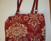 Stylish tote with vinyl handles