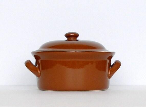 Vintage Hall Stoneware Casserole. Lidded Baking Dish. Rust. Brown. Cream