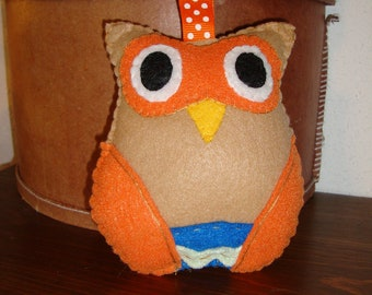 Felt Owl in Tan with Orange