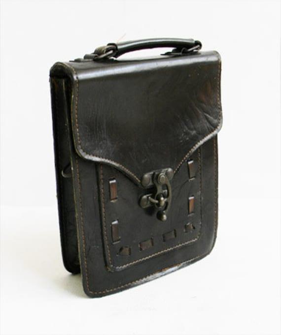 Antique Medieval Leather Bag with Unique Swivel Lock