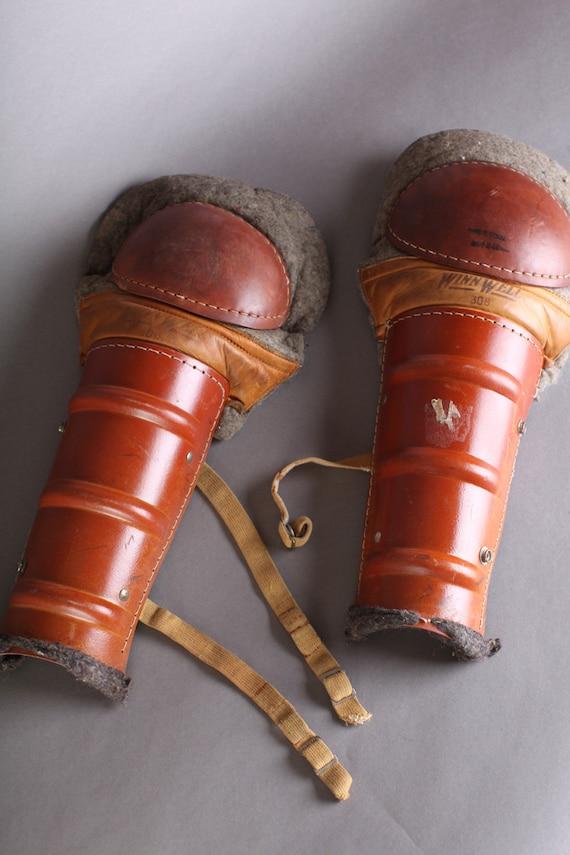 Catchers gear- Winn Well shin guards
