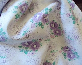 Yardage Vintage French Fabric Lilac Lavender Roses Pink and White Flowers Suitable for Patchwork Quilting Lavender Bags Feedsack Pillow