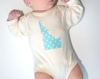 State Appliqued Organic Baby Bodysuit in natural cream with State of your Choice in Blue- 0 3 6 12 18 months Boy Long Sleeve Eco Friendly
