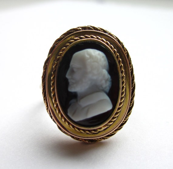 HANDSOME Antique (Dated 1898) Victorian SHAKESPEARE Cameo 10K RIng