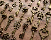 The Bonney Collection - Skeleton Key Charm Assortment in BRONZE - Set of 35 Keys - SET No. 4