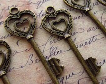 Double Heart Antique Brass/Bronze Skeleton Key - Set of 10