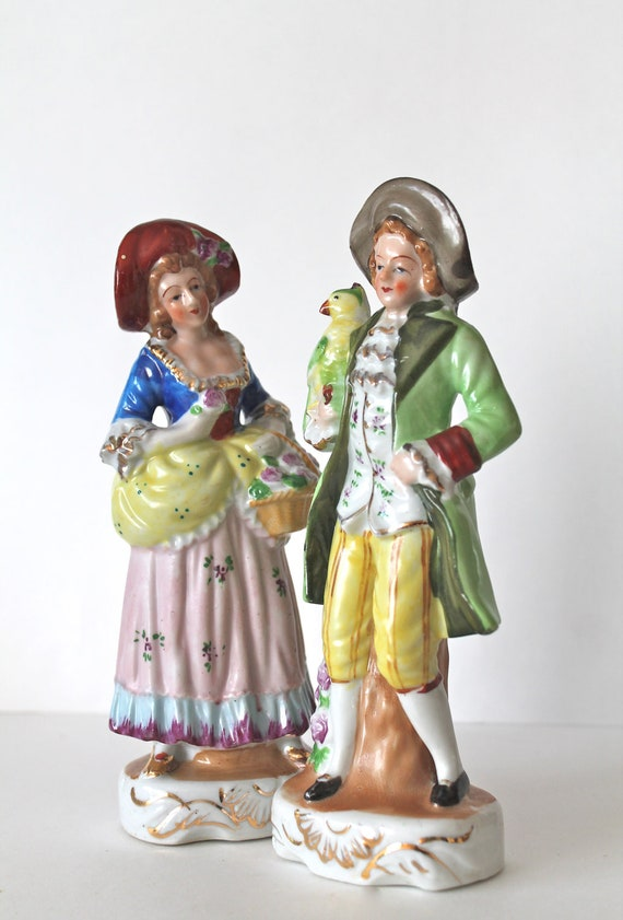 Vintage Island Colonial Ceramic Figurines - made in Japan