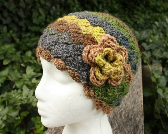 Hat for women. Cloche.  Wool and silk blend