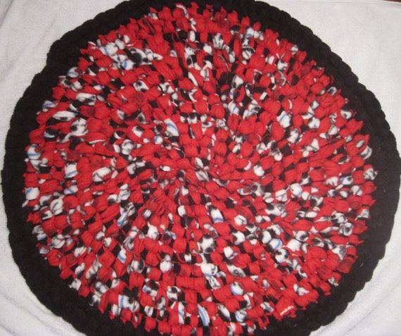 Round Rag Rug Black And White: Red Black And White Round Rag Rug By GoosesGoldenEggs On Etsy