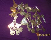 Lot One Pound (1lb) Assorted Mixed BRASS Metal House, Car Keys (50 Pieces) Steampunk Jewelry, Altered Art, Found Objects