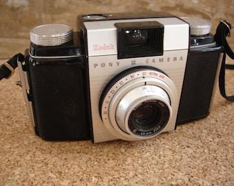 Great Kodak Pony II Camera - We specialize in Vintage Cameras