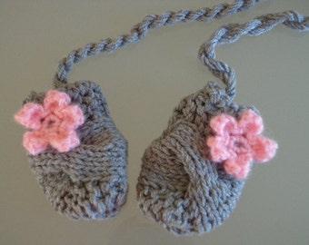 Crochet Baby Mittens, Newborn Mittens, Baby Girl Mittens, Baby Mitts, Baby Thumbless Mittens