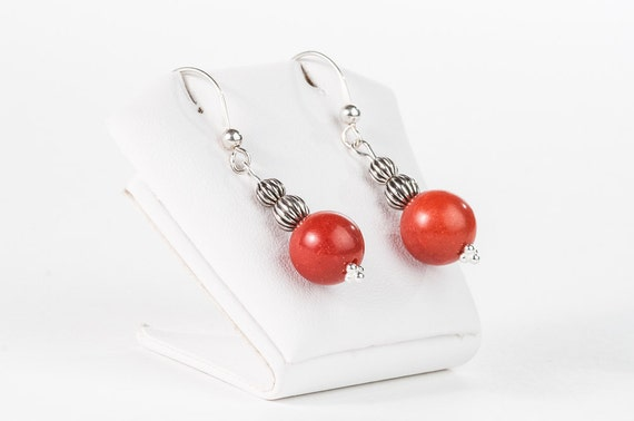 Red Coral Beaded Short Earrings Mother Gift Small Earrings Vintage Style