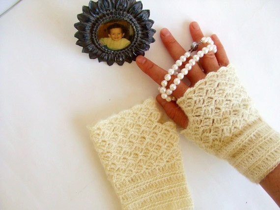 Super,  Hand Crochet fingerless gloves./ Crochet wrist warmer fingerless gloves, Lace fingerless gloves./ Romantic./ Weddings. Front Page