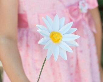 Single Flower Paper Daisy