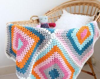 Crochet baby blanket (granny squares)