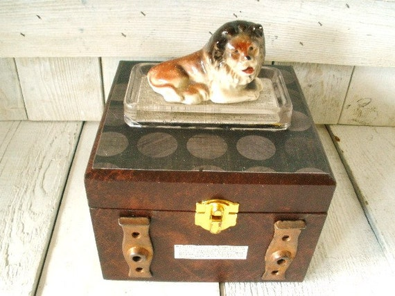 Faux leather box brown embellished ceramic lion figurine