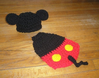 Crochet Cuddle Cape Set - Mickey Mouse