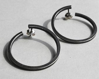Earrings O black in Oxidized sterling silver