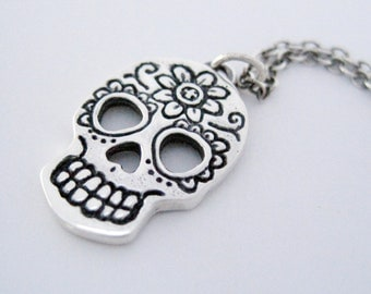 Day of the Dead Skull,  Silver Dia de los Muertos Skull, Sugar Skull, Skull Necklace
