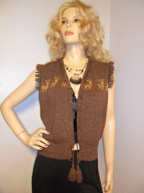 VINTAGE 70's Sweater Vest  with Deers and shaggy fringe trim Sz S-M