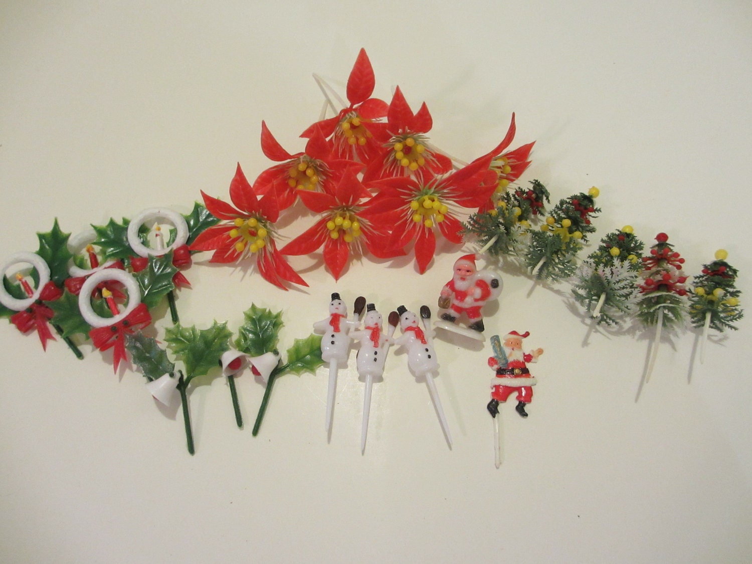 Etsy Christmas Cake Decorations : Vintage Christmas Cake Decorations or Cupcake Picks