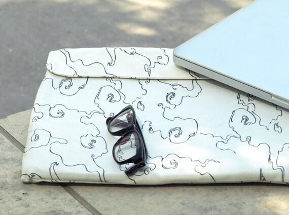 15 inch Macbook  Padded Case/ 15 inch Mac Laptop Sleeve  Cover - SHIPS IMMEDIATELY - White Fog