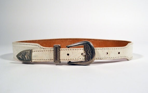 SALE 70% OFF // Vintage Southwestern Aztec White Silver Buckle Leather Belt