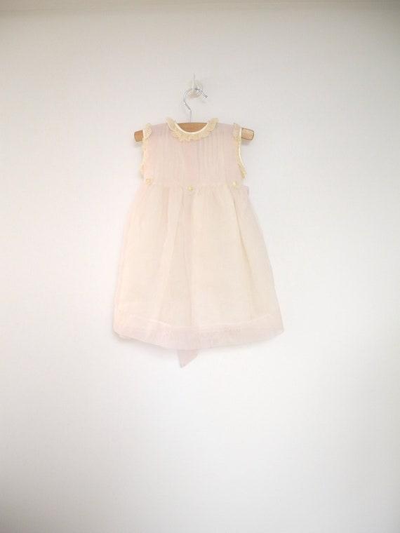 1970's Pale Pink and Cream Sleeveless Chiffon and Lace Dress