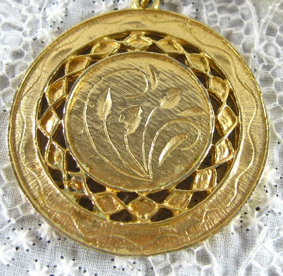 Vintage Pendant Necklace, Gold Openwork Medallion, Floral Leaf Bouquet, 1960s 1970s Mad Men Summer Autumn Fall Jewelry