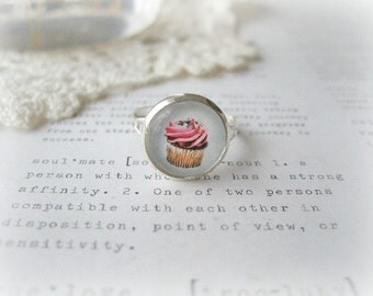 Silver Round Pink Cupcake Ring