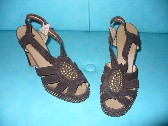 Vintage 40s Brown Suede Gold Studded Platform Shoes Heels Sandals