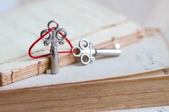 Pretty Skeleton keys Silvery, Sweet Miniature Cabinet Keys - Set of 2