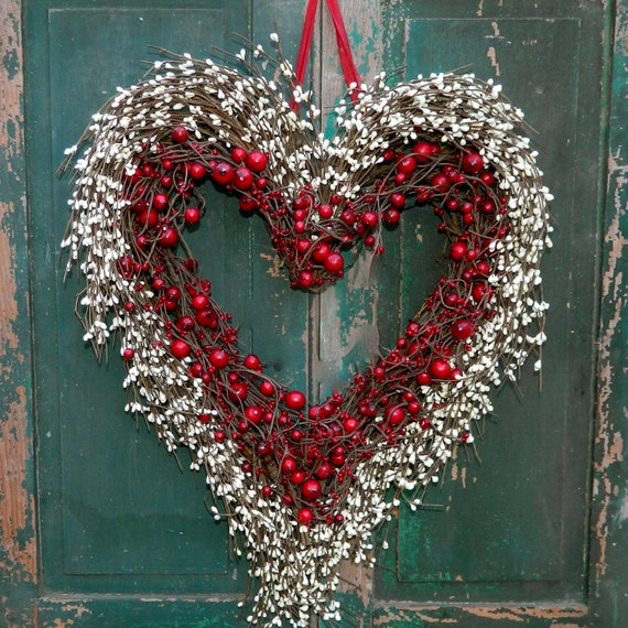 Heart Wreath - Valentine Wreath - Heart Wreath - Valentine Gift - Door Wreath
