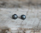 Everyday pebble silver post earring