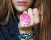 Pink magenta white ombre rolls statement ring