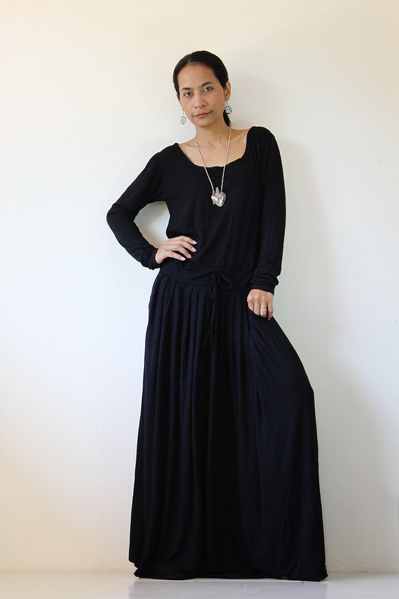 PLUS SIZE Black Maxi Dress Long Sleeve dress : by Nuichan
