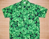 Mens Vintage 60s Made in Hawaii Hawaiian Monochromatic Green Tribal Tiki Shirt - M - The Hana Shirt Co