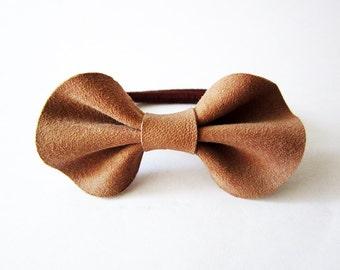Hair bow ponytail holder, Girls hair bow, Brown leather hair bow, leather bow, elastic ponytail holder, Brown Leather hairbow