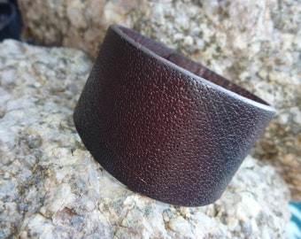 Brown Single Band Special Empaistic Leather Wristband Bracelet /Unisex