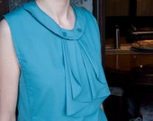 Top with female tie.  Reversible collar. Vintage 1950s style.