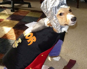 Custom-made cats costumes made to order only. Thor for a cat is cape,hat and hammer at this price