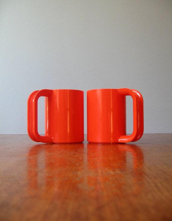 Vintage Mod Plastic Heller Vignelli Orange Max Mug / Cup Pair