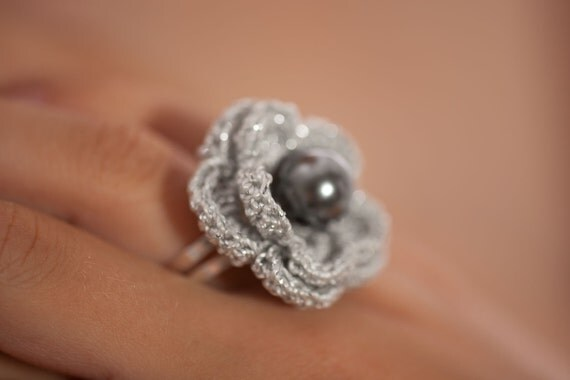 Crochet Ring : Hand crochet ring Dove grey with a pearl by Benivision Etsy