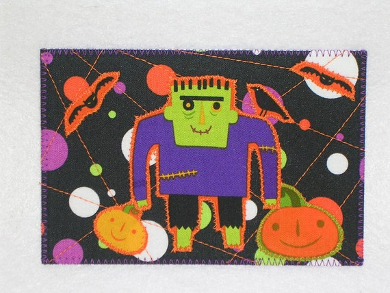 Halloween in July.  Yes, it's that time already.  Quilted Appliqued Fabric Postcard   SALE 5.00 each.  A small gift in a card.