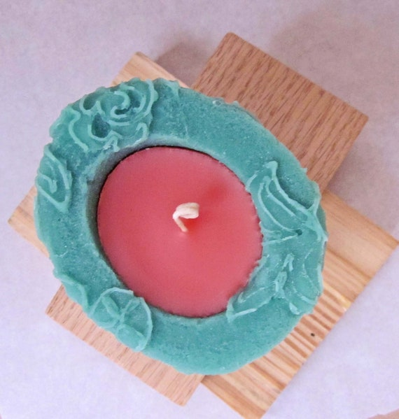 Ripe Guava Beewax palmwax Candles, Small Chantilly Design Natural Wax Candle, Eco-Friendly Candle, Green and Peach Candle