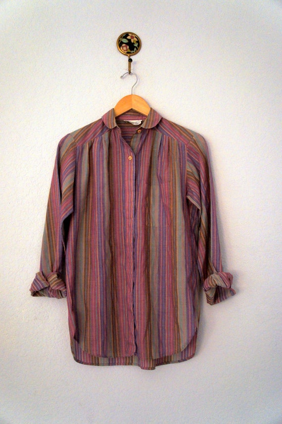 Vintage 1970s or 1980s Peter Pan Collar Purple Striped Button Down Shirt Size S or M