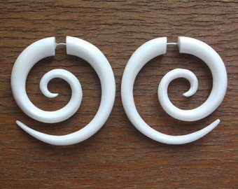 Medium TRIPPI Spiral Earrings- Natural White Bone - Hand Carved Tribal Fake Gauges