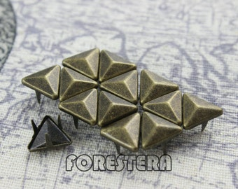 100Pcs 10mm Antique Brass Triangle Studs (BT10)